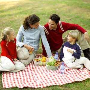 TABLE TALK : THE  IMPORTANCE of FAMILY MEALS